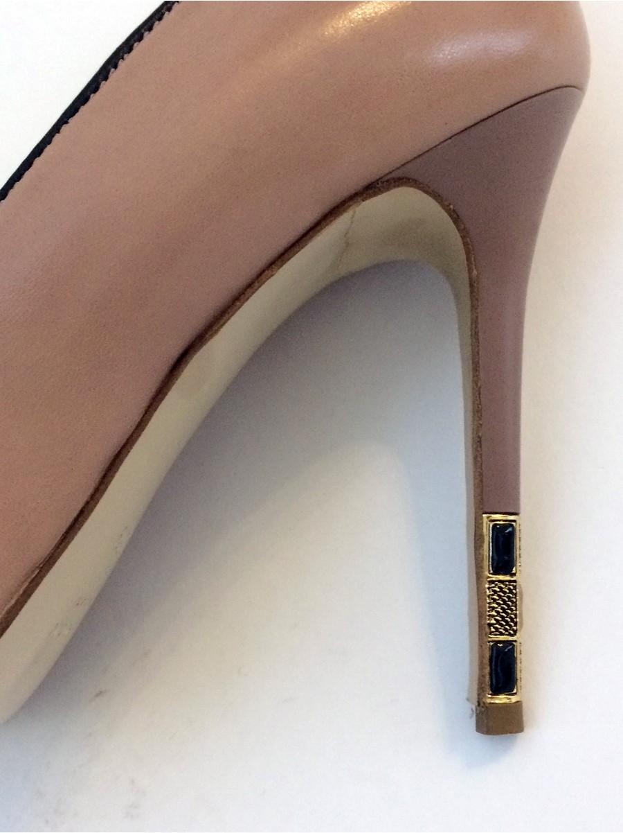Классические туфли Icone, каблук пластиковый с металлическим элементом в виде камней 9240-бежевый